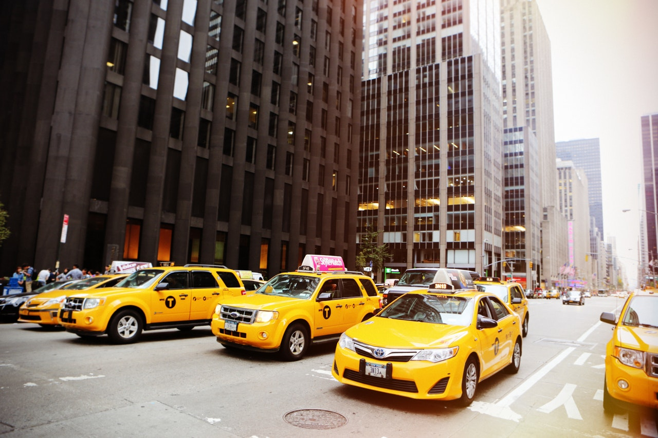 taxi and limousine services in Canada